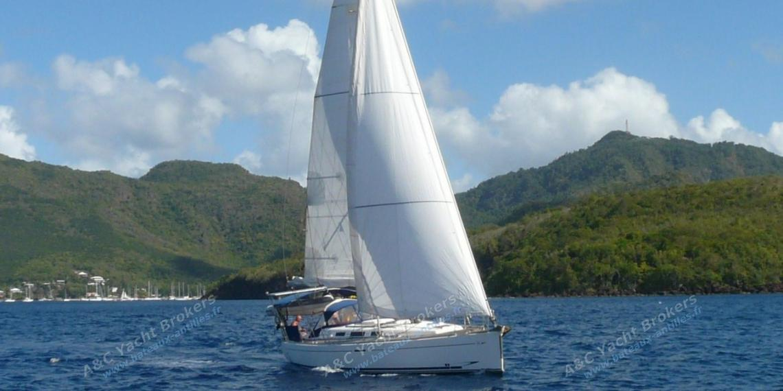 Dufour 40 Performance : Navigating